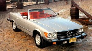 Mercedes-Benz-SL-R107-4
